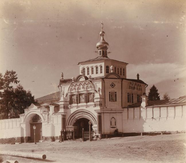 Надвратный храм Симеона Богоприимца и Анны Пророчицы. Фото 1909 года