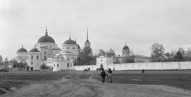 Новотихвинский женский монастырь в Екатеринбурге