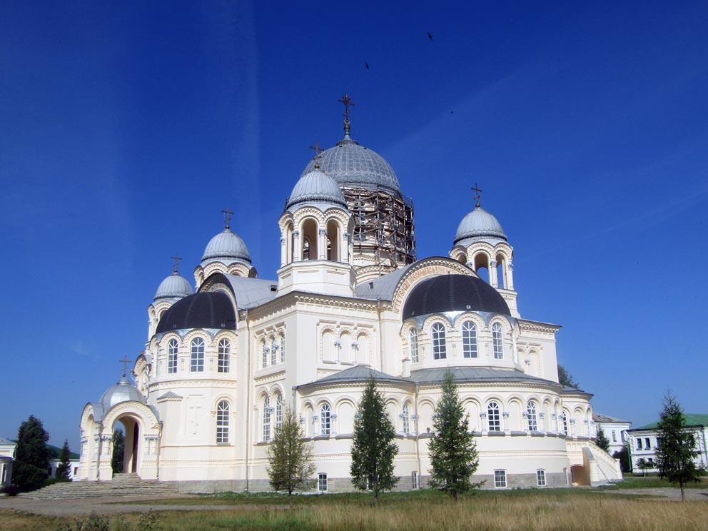 Крестовоздвиженский собор Свято-Николаевского монастыря. Фото Алексея Рычкова 2020 года