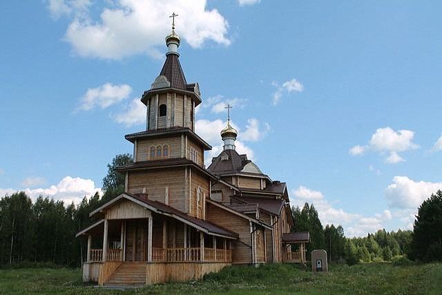 Крестовоздвиженский храм возрожденного Кыртомского монастыря в наши дни