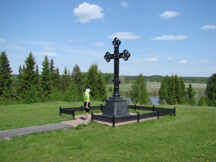 У Поклонного креста на месте молитвенных уединений Симеона Верхотурского