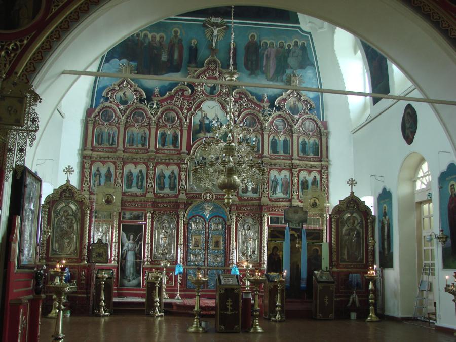 Иконостас храма во имя Святителя Николая Чудотворца