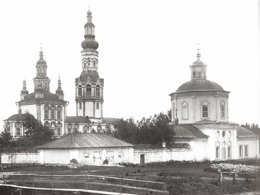 Походяшинские церкви Покровского монастыря: старый Покровский храм и Иоанно-Предтеченская церковь