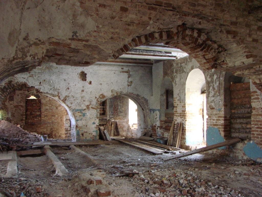 Опустошенная церковь
