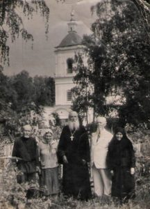 У храма Семи отроков Эфесских в Тобольске в 1950-е годы