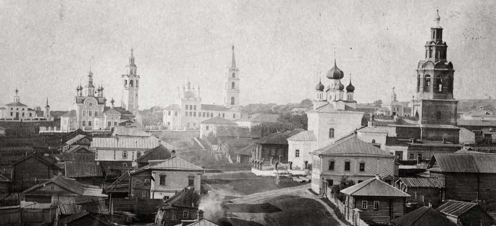 Вид на храмы Чердыни в начале XX века