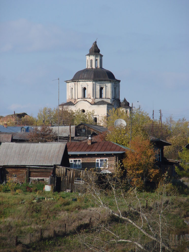 Вознесенский храм осенью