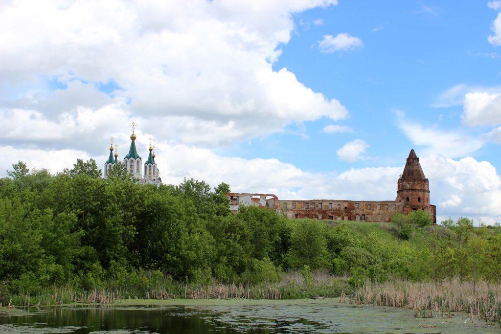 Современный вид на Далматовский монастырь