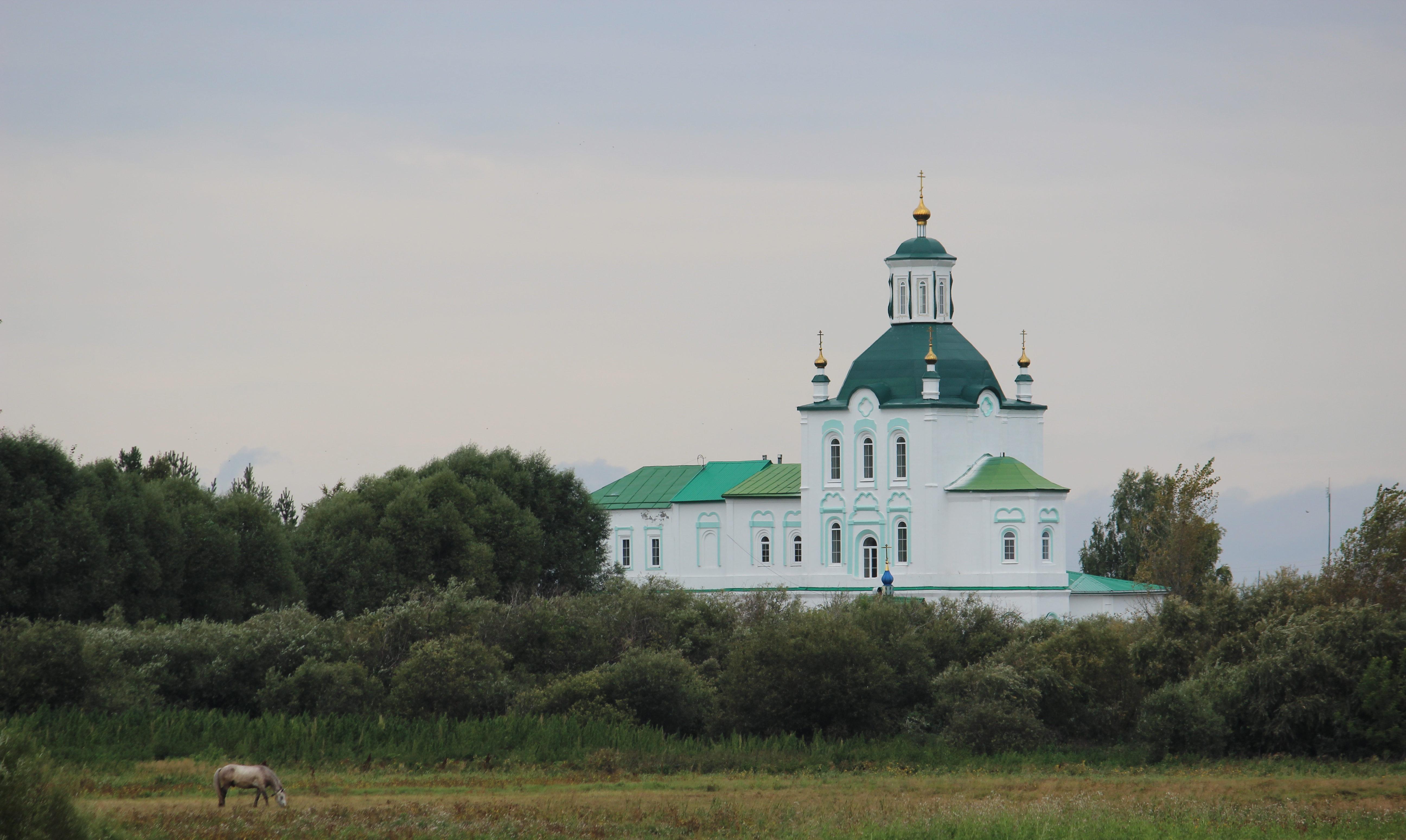 Свято-Троицкий храм в Усть-Ницинском