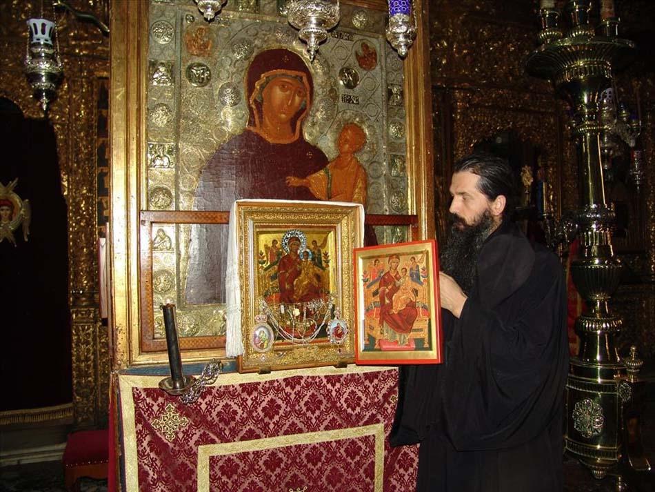 """Икона Божией Матери """"Всецарица"""" из Ватопедского монастыря"""