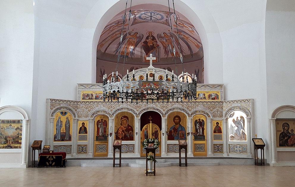 Иконостас храма в честь Федоровской иконы Божией Матери