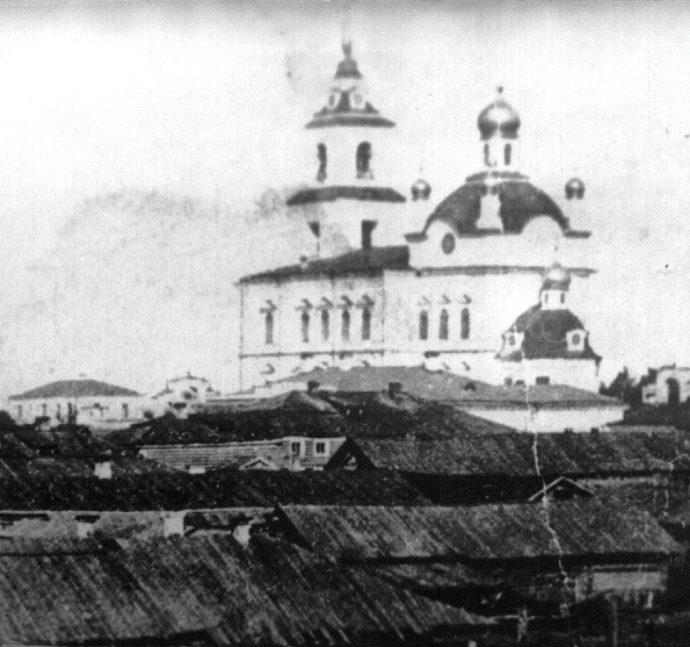 Покровский собор в конце XIX века до перестройки колокольни