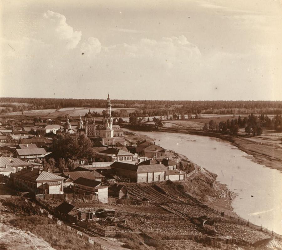 Вид на храмы старого и нового Покровского монастыря, фото 1909 года