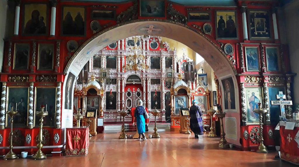 Интерьер Георгиевского храма в селе Слобода