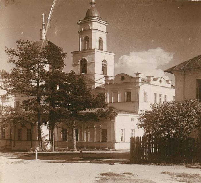 Успенская церковь Ново-Тихвинского монастыря в Екатеринбурге