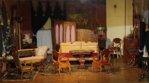 Комната матери Чайковского. Макет сделан основательницей Дома-музея П. И. Чайковского  В. Б. Городилиной