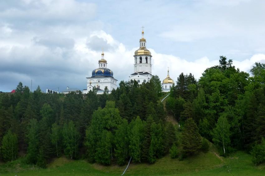 Абалакский Свято-Знаменский монастырь: монастырские купола