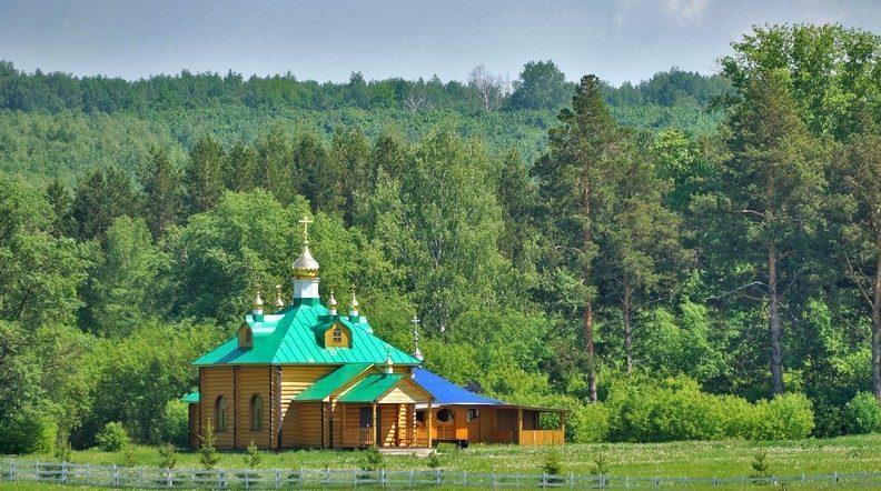 Сергиевская церковь в монастыре