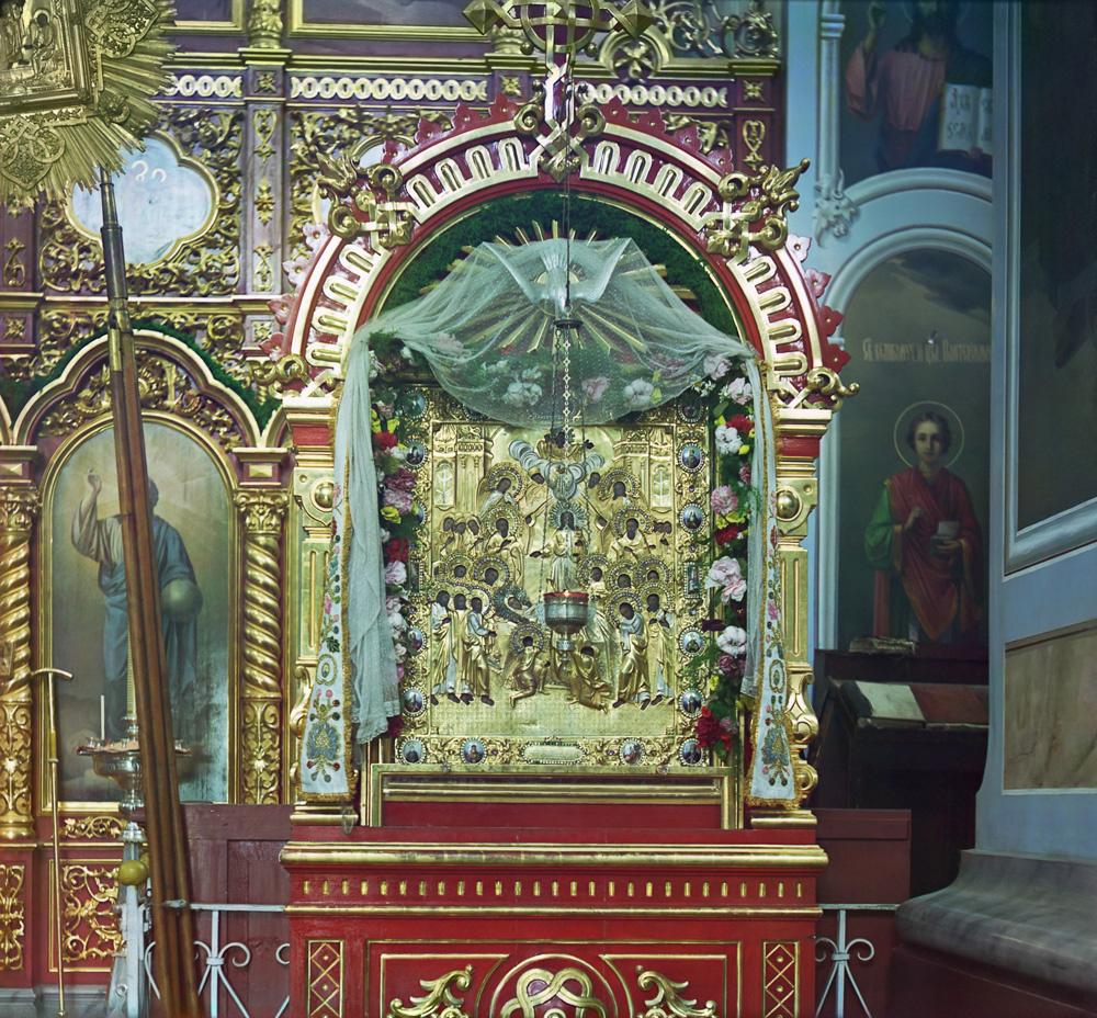 Чудотворная икона Успения Богородицы, принесенная в монастырь преподобным Далматом, фото 1912 года