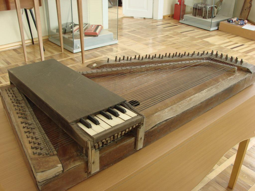 В Доме-музее П. И. Чайковского собрана самая большая на Урале коллекция музыкальных инструментов