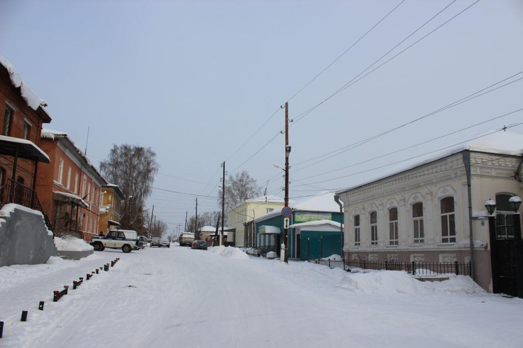 Квартал в начале улицы Красной Армии (близ Свято-Троицкого собора) настоящий заповедник купеческой архитектуры