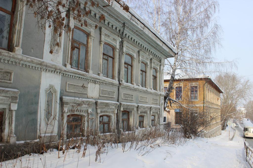 Жилой дом 19 века (Павлова, 29), далее бывшее реальное училище
