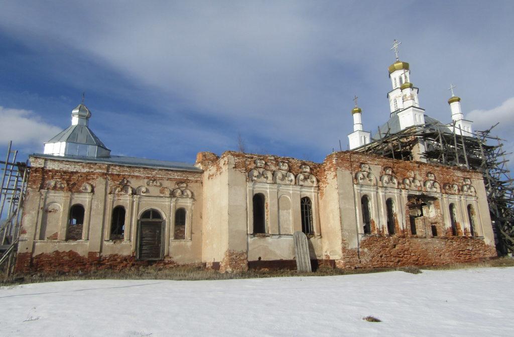 Николаевский храм в Шогринском