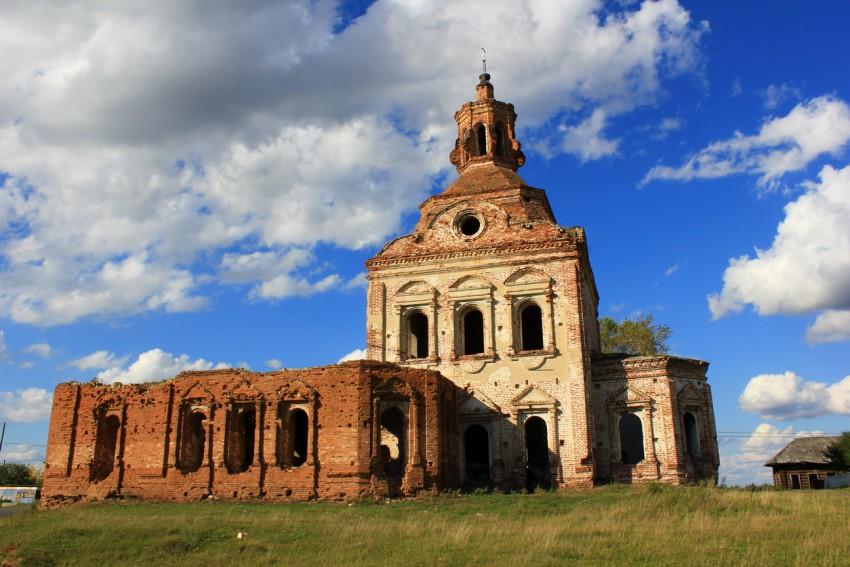 Крестовоздвиженский храм в Куминовском