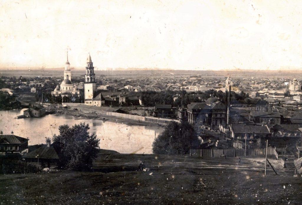 Таким мог видеть Невьянск Алексей Толстой. Фото начала XX века