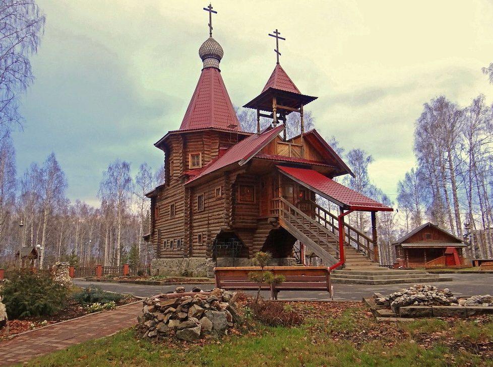 Храм Серафима Саровского в Новоуральске