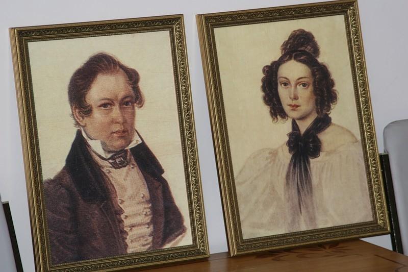 Музейные портреты Василия Ивашева и Камиллы Ле Дантю