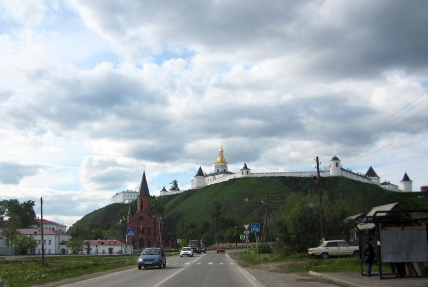 Вид на Тобольский Кремль с Подгорья. Фото Сергея и Марии Поповых