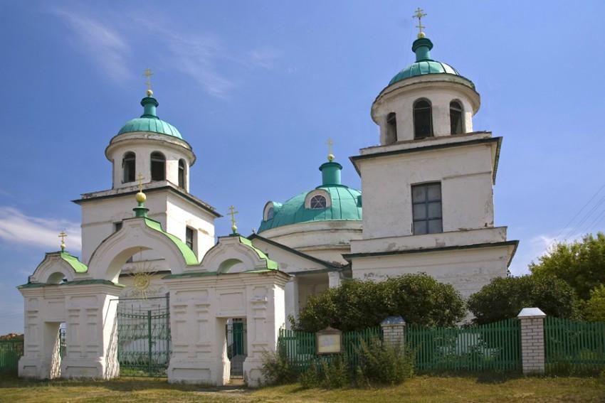Крестовоздвиженский храм в Звериноголовской
