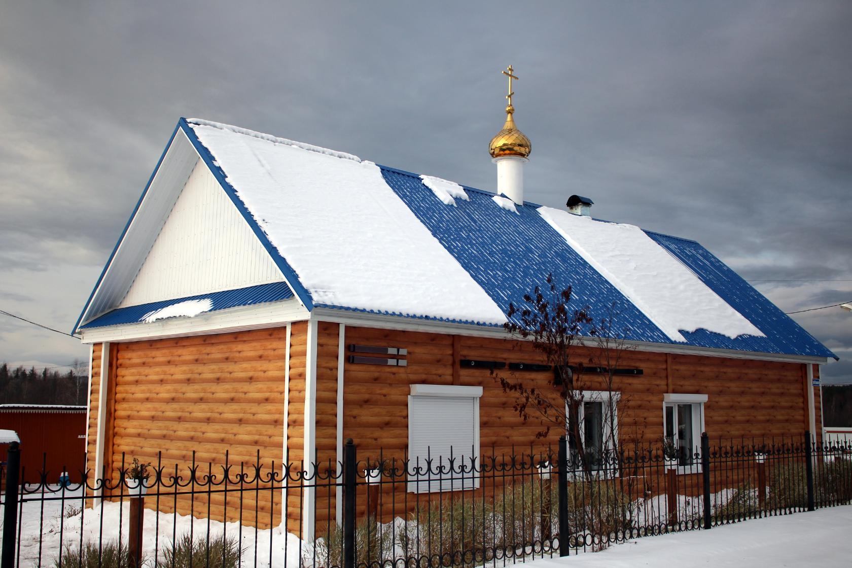 Поселок Черемухово: Крестовоздвиженский храм