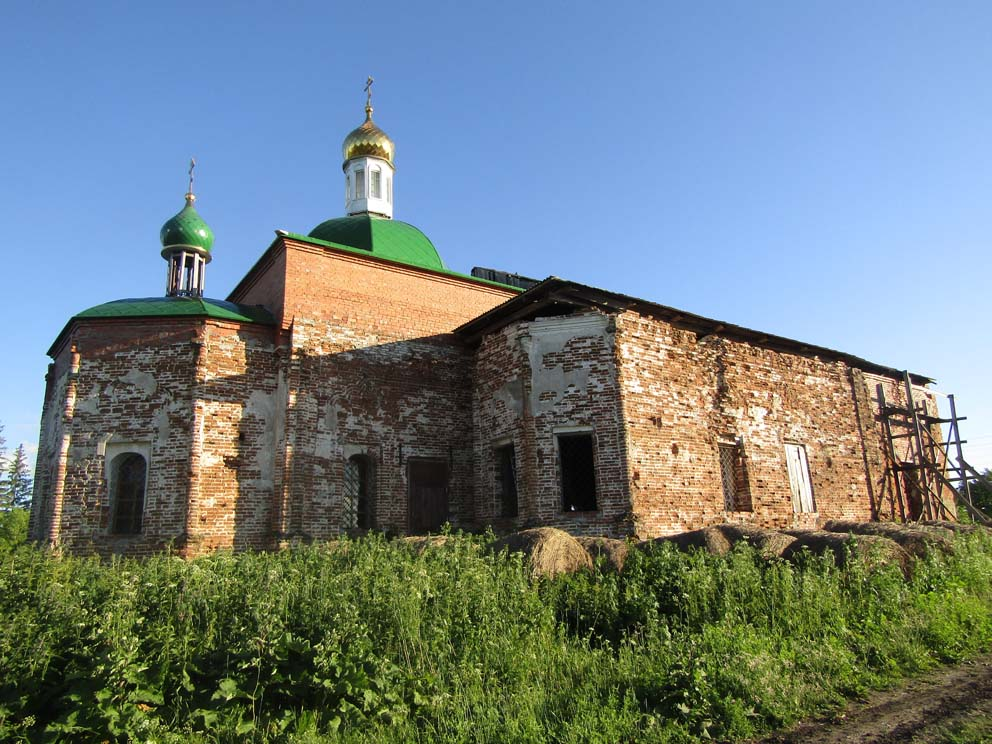 Деревня Гуляева: храм Преображения Господня