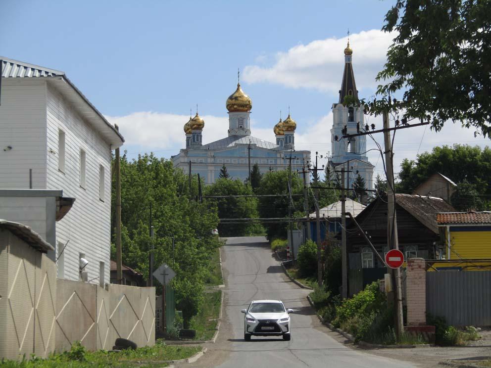 Покровский храм в перспективе улицы Свердлова
