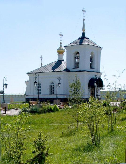 Деревня Костылева: храм Космы Верхотурского в Свято-Косминской пустыни