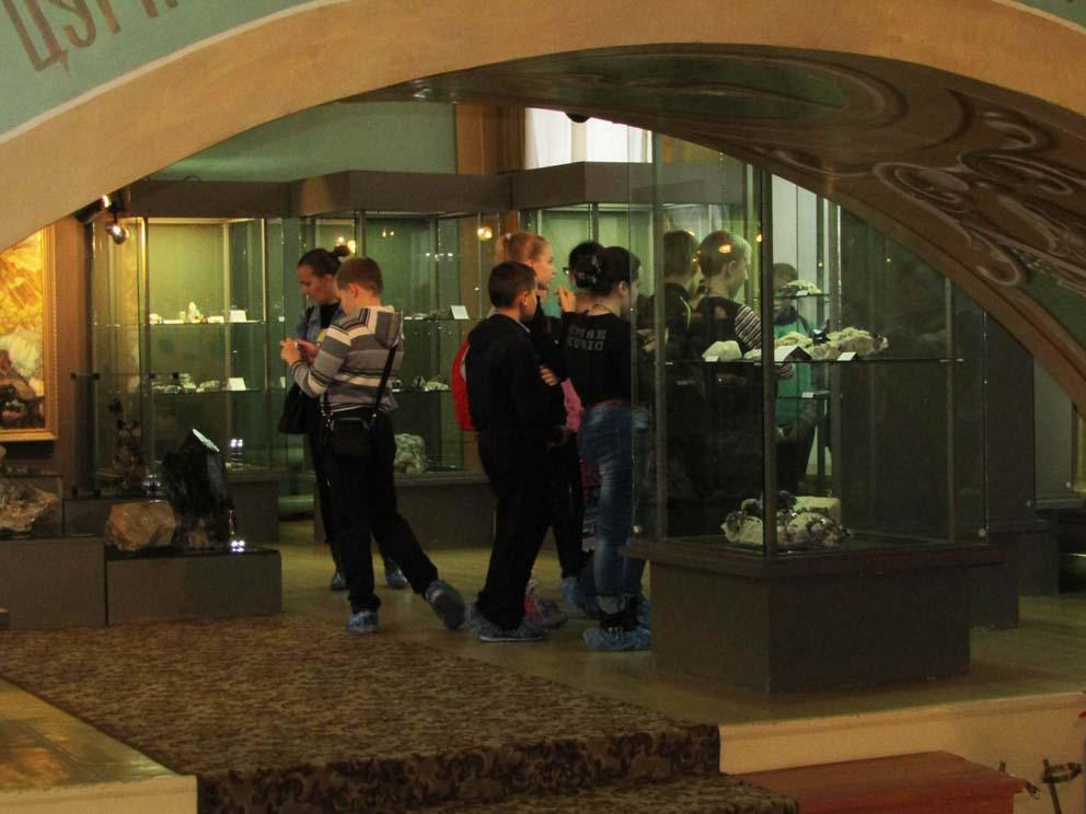 На экскурсии в Мурзинском музее