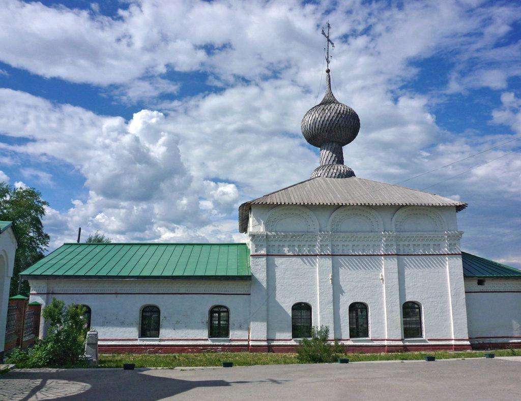 Введенский храм Преображенского монастыря. Фото Александра Шатунова