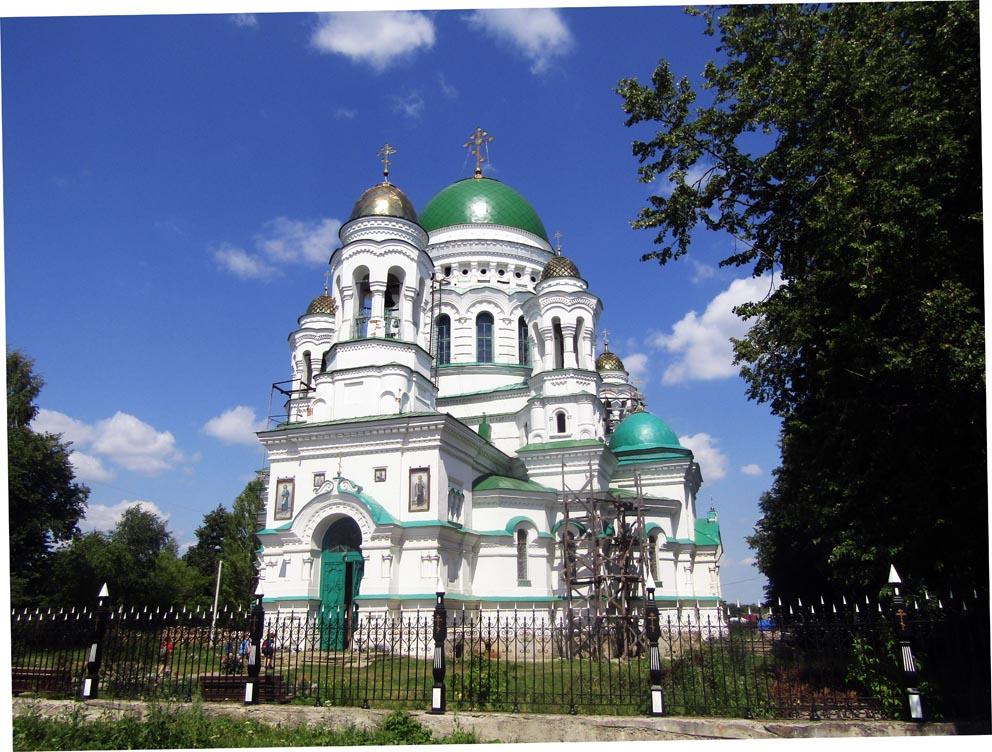 Нижняя Салда: храм Александра Невского. Фото Алексея Рычкова