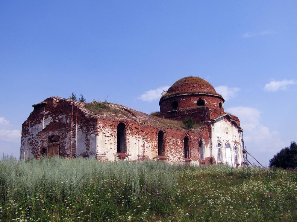 Село Ярославское: храм Петра и Павла