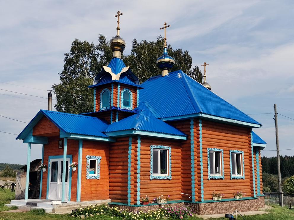 Деревня Савиново: храм Успения Пресвятой Богородицы