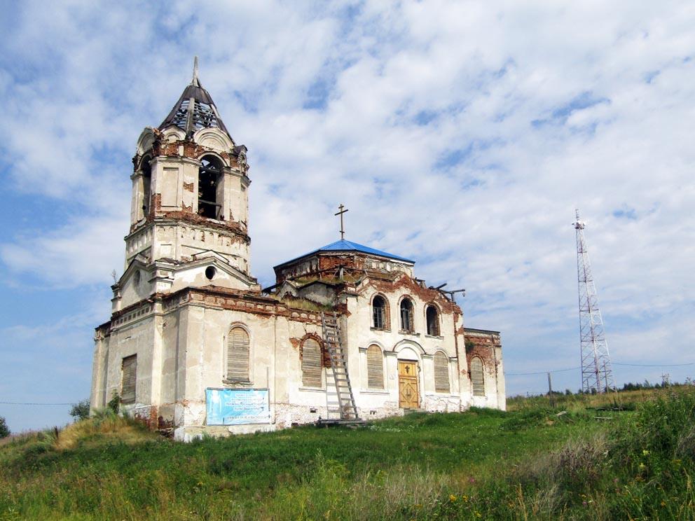 Село Комарово: храм Рождества Пресвятой Богородицы