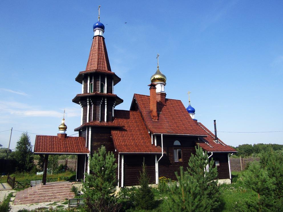 Деревня Новоселова: храм святого Вонифатия