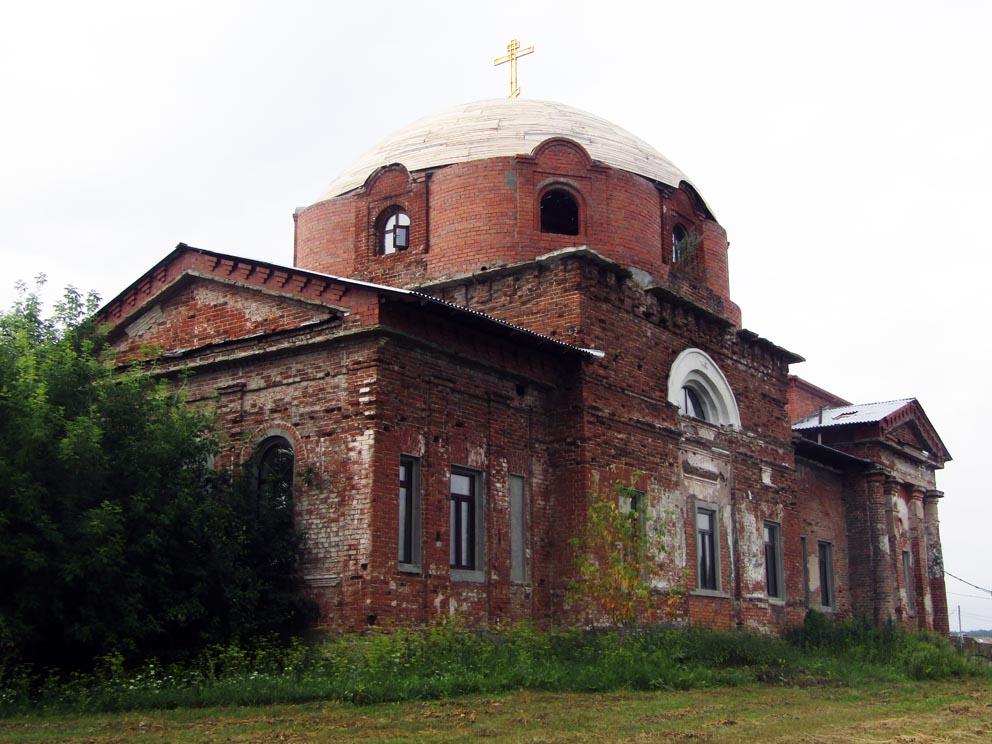 Село Захаровское: храм Троицы Живоначальной