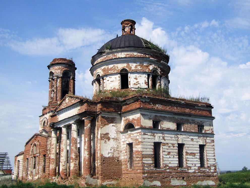 Село Никольское: Сретенский храм
