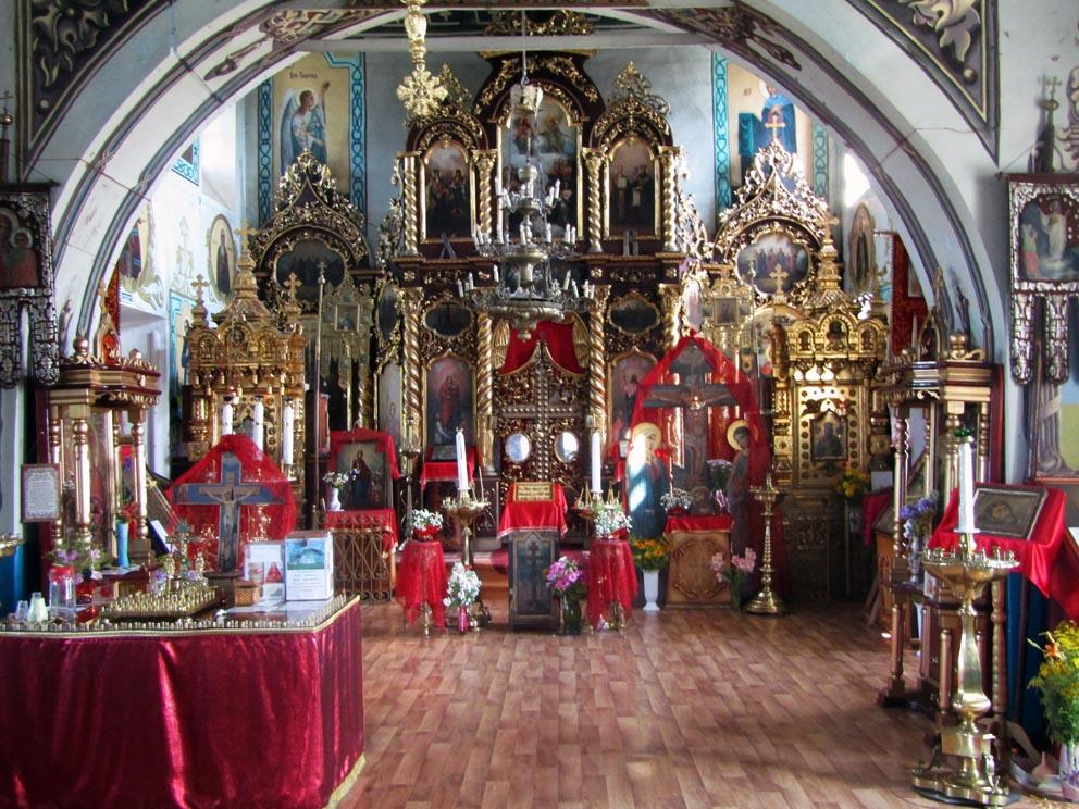 Интерьер храма Параскевы Пятницы в Савино