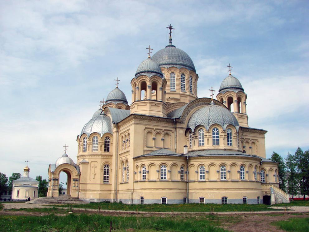 Крестовоздвиженский собор Николаевского мужского монастыря