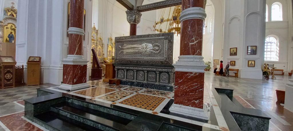 Рака с мощами Симеона Верхотурского - главная святыня Свято-Николаевского монастыря