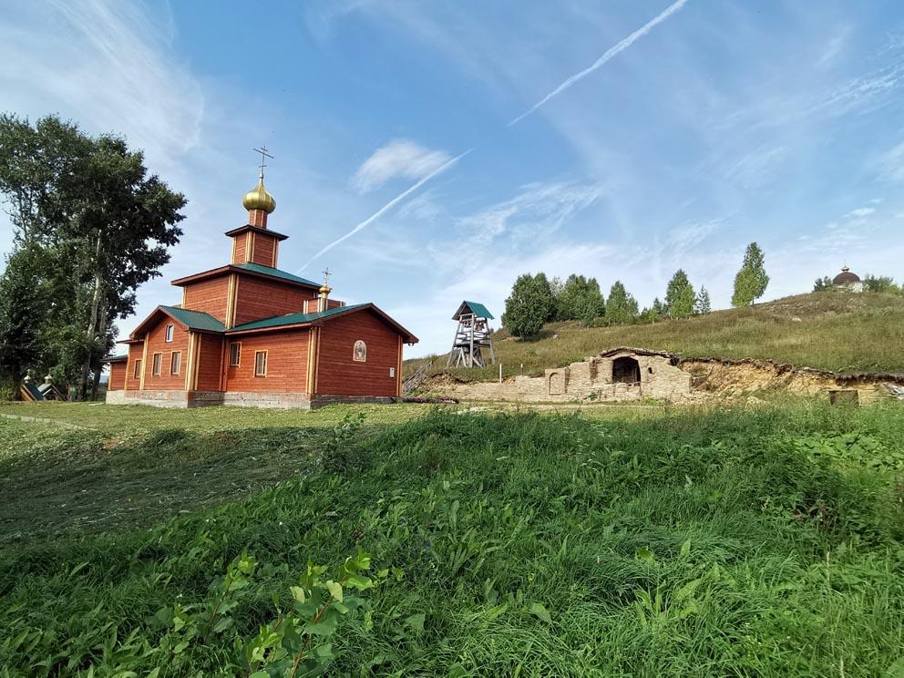 Храм, звонница и грот в Сарсинском монастыре
